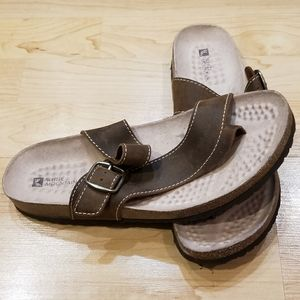 White Mountain Brown Buckle Sandals 10